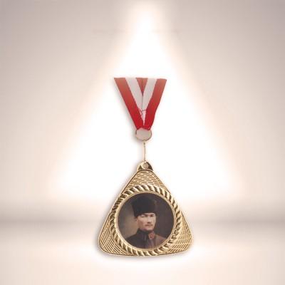 Kurdelalı Madalya
